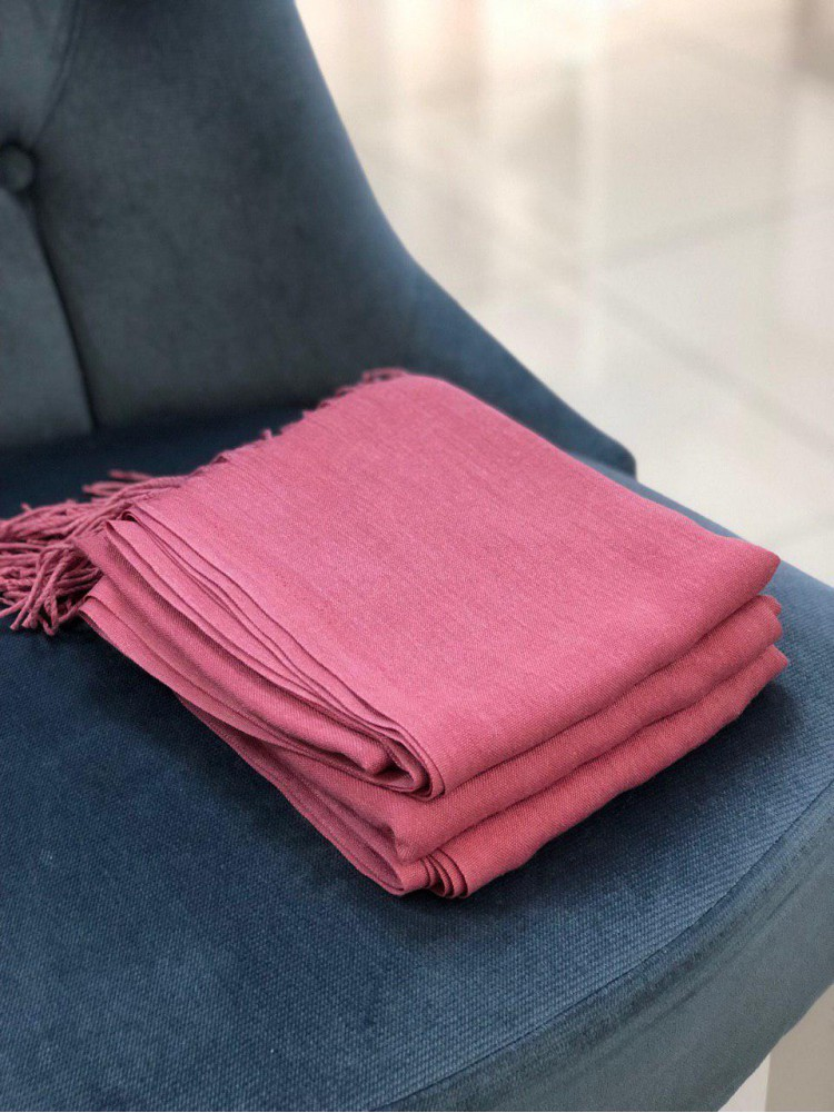 Розовый палантин из пашмины