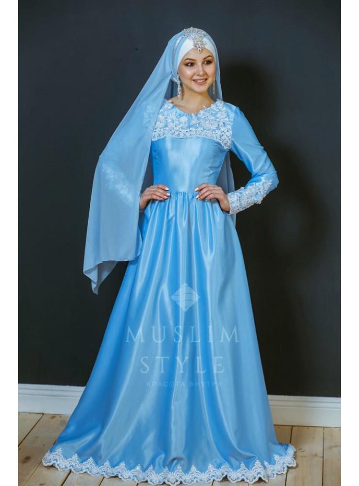 Платье со шлейфом в голубом