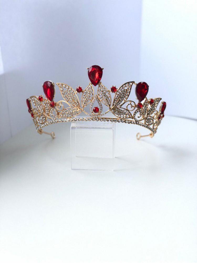 Корона под золото с красными камнями